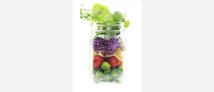 Easy green salads recipes with pictures - Brussels sprouts,Tomato & Spinach Salad in a Jar